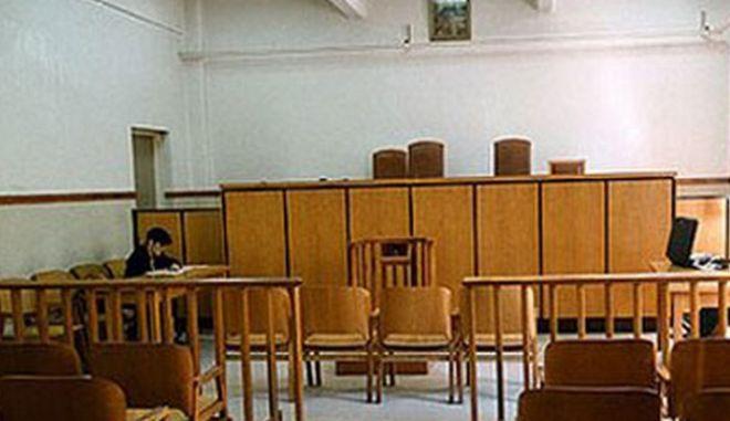 Θεσσαλονίκη: Πενταετής κάθειρξη σε 50χρονη που εισέπραττε τη σύνταξη του νεκρού πατέρα της