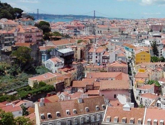 Μνημονιακές ιστορίες: Από την ελληνική κρίση στην Πορτογαλία