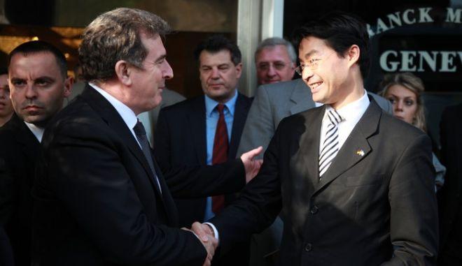 ΑΘΗΝΑ- υπογραφή διμερούς συμφωνίας οικονομικής συνεργασίας ο υπουργός Ανάπτυξης Μ. Χρυσοχοΐδης και ο Γερμανός αντικαγκελάριος και υπουργός οικονομίας Φίλιπ Ρέσλερ.(EUROKNISSI-ΓΕΩΡΓΙΑ ΠΑΝΑΓΟΠΟΥΛΟΥ)