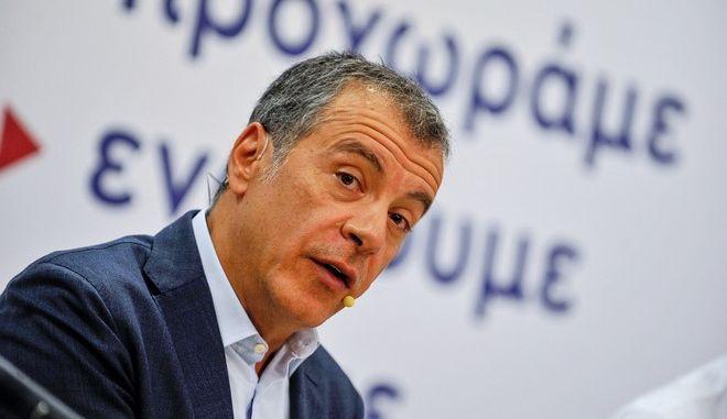 Επιμένει στην εξ αποστάσεως ψηφοφορία ο Θεοδωράκης