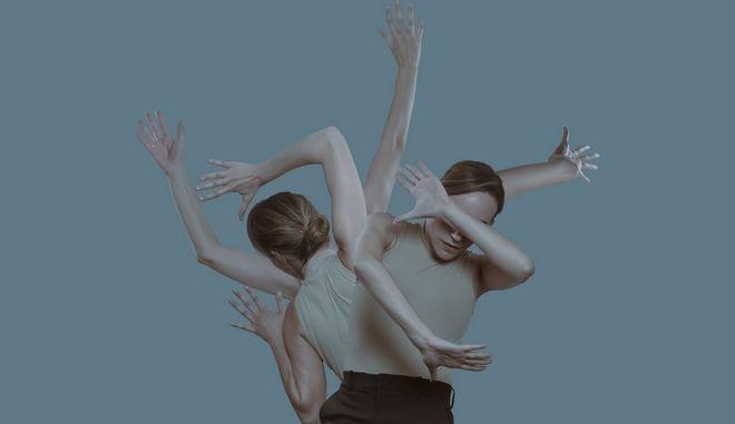 """Girls & Boys"" του Dennis Kelly: Μια παράσταση - ωρολογιακή βόμβα για τη σχέση των 2 φύλων"