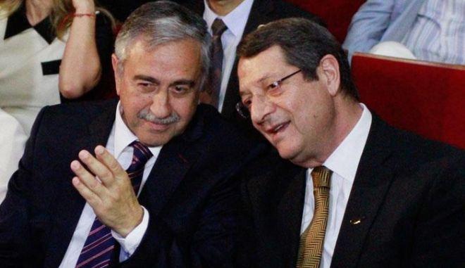 Πυρετός διαβουλεύσεων στην Κύπρο με στόχο την επίλυση του κυπριακού