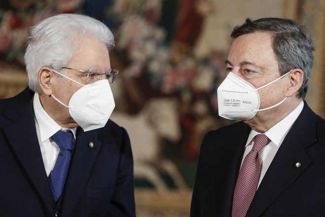 Ο πρόεδρος Σέρτζιο Ματαρέλα και ο πρωθυπουργός Μάριο Ντράγκι