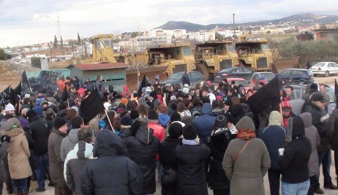 Αθώοι κάτοικοι της Ευκαρπίας που διαμαρτύρονταν για την κατασκευή ΣΜΑ
