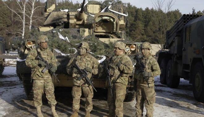 Αμερικανοί στρατιώτες κατά την διάρκεια κοινής στρατιωτικής άσκησης ΗΠΑ-Πολωνίας