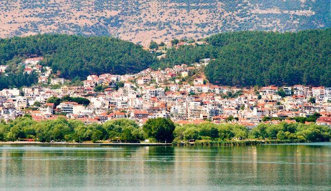 Κορονοϊός: Έκτακτα μέτρα σε Ιωάννινα και Κοζάνη