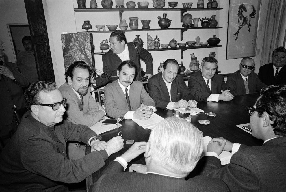 Ο Σαλβαδόρ Αλιέντε με το υπουργικό συμβούλιο, αμέσως μετά τις προεδρικές εκλογές του 1970.