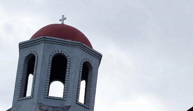 Την 23η Απριλίου 2017, ο Θεοφιλ. Επίσκοπος Μπραζαβίλ και Γκαμπόν κ.Παντελεήμων παρέστη συμπροσευχόμενος κατά την Θεία Λειτουργία στον αναγειρόμενο Ιερό Ενοριακό Ναό Αγίας Φωτεινής, στο προάστειο Mpaka του Pointe-Noire, όπου εκήρυξε τον θείο λόγο. Μετά το πέρας της Ευχαριστιακής Συνάξεως προσέφερε ρούχα σε όλα τα μικρά παιδιά, ενώ ακολούθησε εκτενής συνεργασία με τον ευσεβή και δραστήριο Πρόεδρο της Ενοριακής Επιτροπής κ.Michel Armand Massa,  Μέλος του Επισκοπικού Συμβουλίου της τοπικής Εκκλησίας του Κονγκό-Μπραζαβίλ, σχετικά με την πρόοδο των εργασιών.  Ήδη τοποθετήθηκαν τα παράθυρα και οι πόρτες, ολοκληρώθηκαν οι οικοδομικές και ηλεκτρολογικές εργασίες και άρχισε η προετοιμασία των εξωτερικών τοίχων για τον ελαιοχρωματισμό του Ναού, αρχής γενομένης από τον τρούλο και το κωδωνοστάσιο (που στερείται καμπάνας, αντ' αυτής χρησιμοποιείται προσωρινώς μία κρεμασμένη «ζάντα» φορτηγού). ΦΩΤΟ ΣΥΝΕΡΓΑΤΗΣ--EUROKINISSI