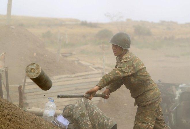 Οι συγκρούσεις μεταξύ των αυτονομιστών του Αζερμπαϊτζάν και της Αρμενίας στο Ναγκόρνο-Καραμπάχ συνεχίστηκαν για τρίτη ημέρα