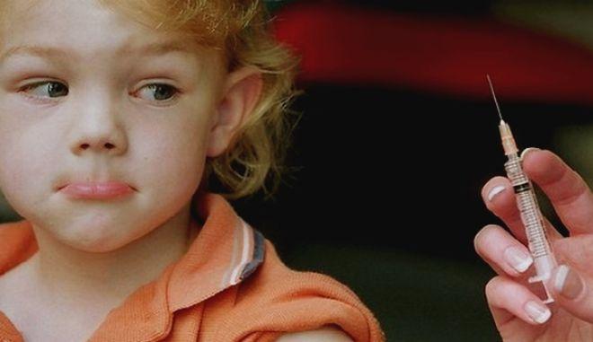 Ένας παιδίατρος γκρεμίζει έξι μύθους για τα εμβόλια
