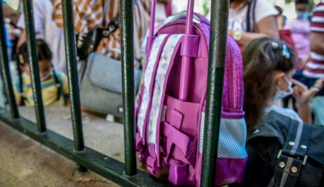 Κορονοϊός: Ο ρόλος του σχολείου στη διασπορά του ιού
