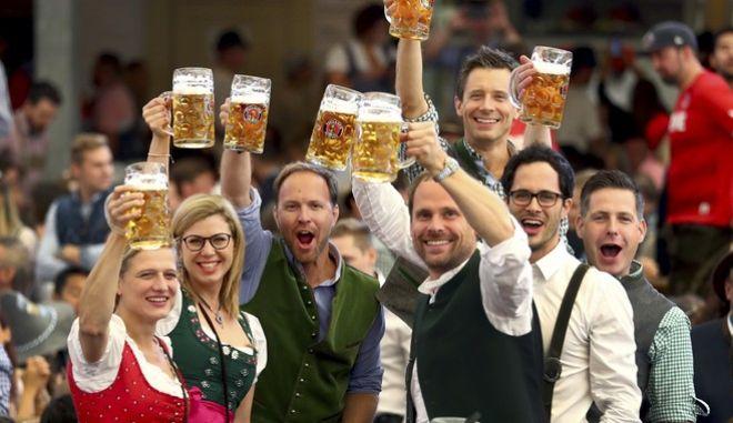 """Γερμανία: Σκέψεις για """"Oktoberfest"""" στο Ντουμπάι"""