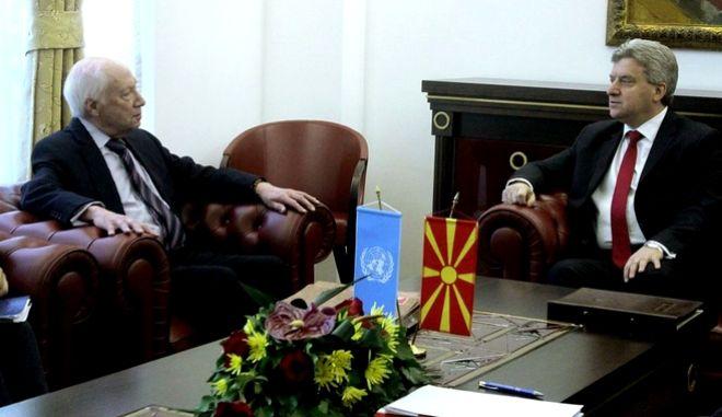 Πυρετός διαβουλεύσεων σε Αθήνα και Σκόπια