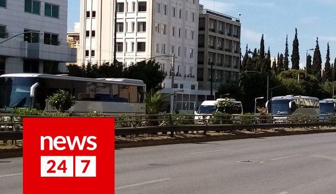 Γέμισε πούλμαν η Συγγρού: Διαμαρτυρία ιδιοκτητών τουριστικών λεωφορείων