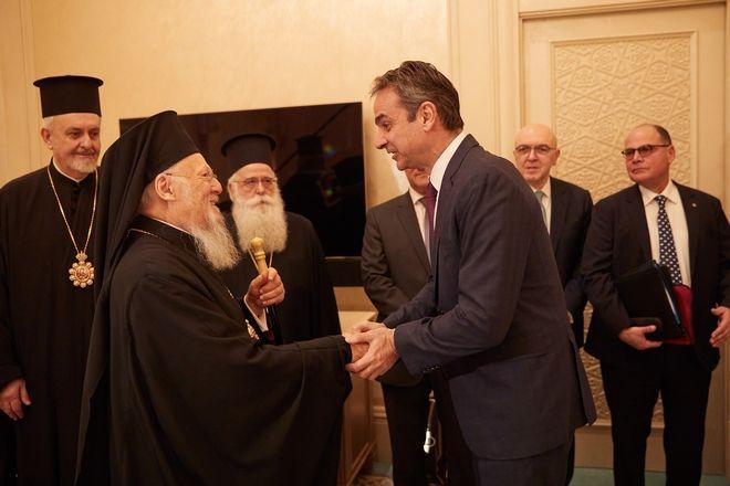 Συνάντηση με τον Οικουμενικό Πατριάρχη Βαρθολομαίο είχε ο Κυριάκος Μητσοτάκης στο Άμπου Ντάμπι