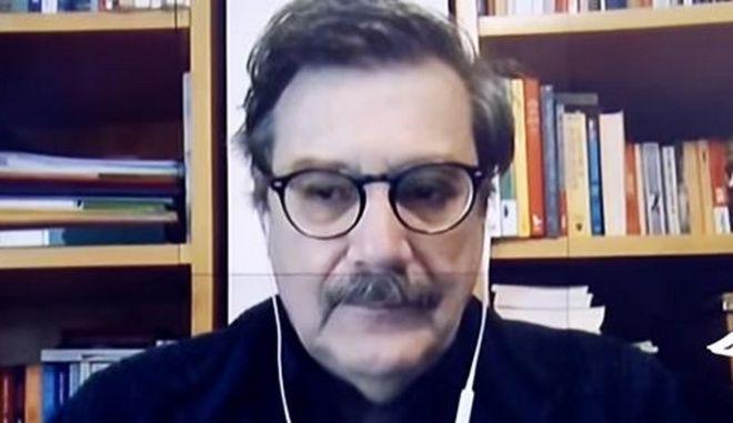 Παναγιωτόπουλος: Λυπηρό που η εκκλησία δεν προτάσσει την υγεία
