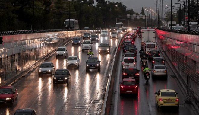 """Κακοκαιρία """"Μπάλλος"""": Διακοπή ρεύματος σε αρκετές περιοχές της Αθήνας"""