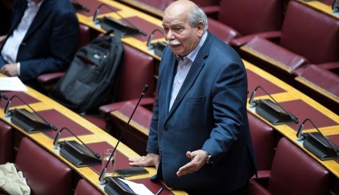 Νίκος Βούτσης - Συζήτηση στην Ολομέλια της Βουλής (EUROKINISSI/ΜΙΧΑΛΗΣ ΚΑΡΑΓΙΑΝΝΗΣ)