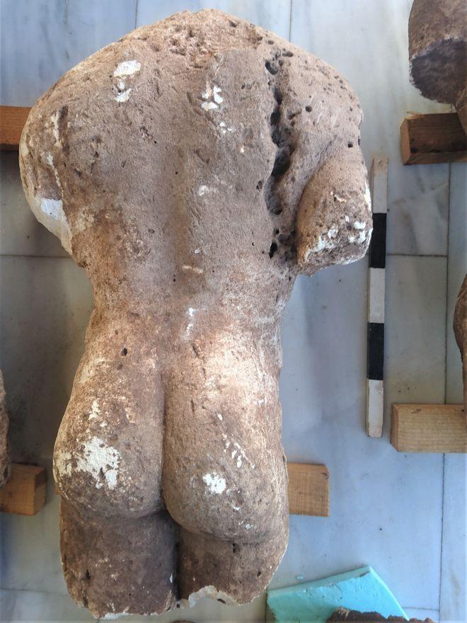 Επιτύμβια αρχαϊκά αγάλματα στην Φθιώτιδα, οι κούροι της Αταλάντης