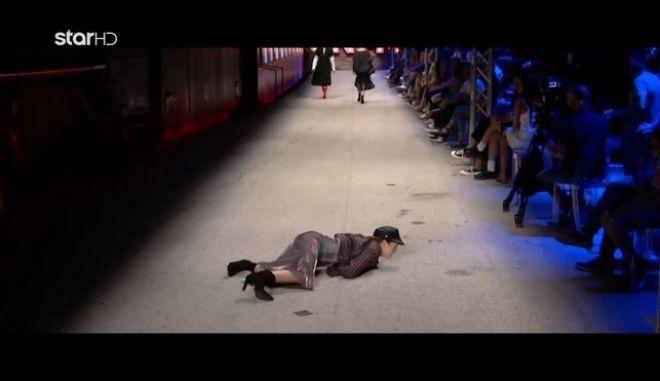 GNTM 2: Η πτώση διαγωνιζόμενης και η αντίδραση της Ηλιάνας Παπαγεωργίου