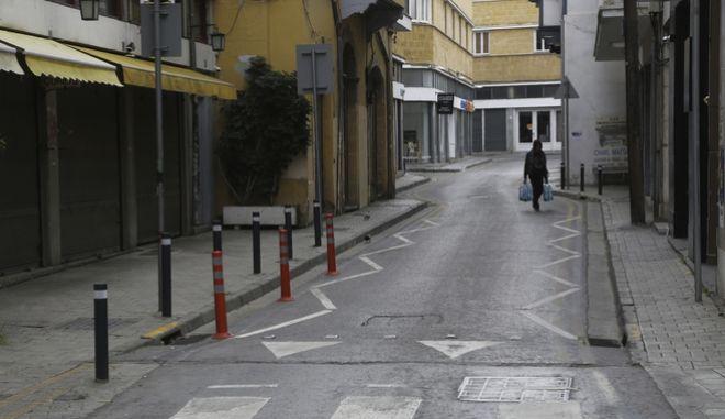 Πολίτης σε δρόμο της Κύπρου