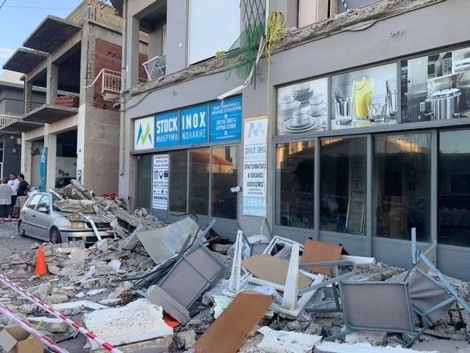 Ρέθυμνο: Κατέρρευσε μπαλκόνι σε κεντρικό δρόμο