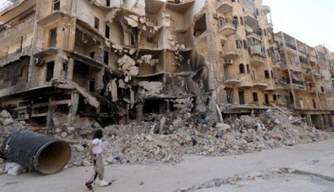 Τούρκοι στρατιώτες πραγματοποιούν επιχείρηση στο Χαλέπι