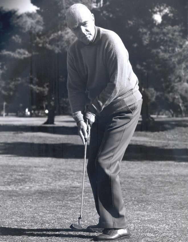 Ο Κωνσταντίνος Καραμανλής αγαπούσε το γκολφ, ίσως διότι του έδινε την ευκαιρία να βρίσκεται στη φύση και να παίρνει βαθιές ανάσες, όπως λέει στο News24/7 ο προπονητής του στο γκολφ Γιώργος Γκίνης.