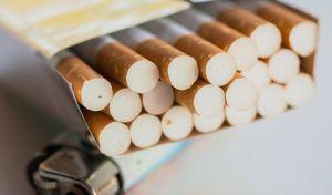 Παπαστράτος: Μπορεί μία καπνοβιομηχανία να μην παράγει τσιγάρα;