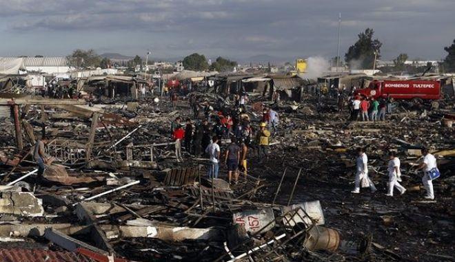 Μεξικό: Τουλάχιστον 29 νεκροί από εκρήξεις σε αγορά πυροτεχνημάτων