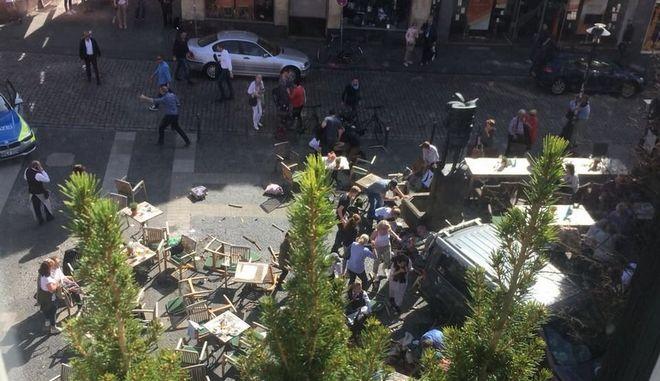 Γερμανία: Βαν έπεσε σε πεζούς στο Μύνστερ - Νεκροί και τραυματίες