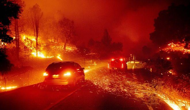 Εικόνα από την φωτιά στην κομητεία Σονόμα της Καλιφόρνιας