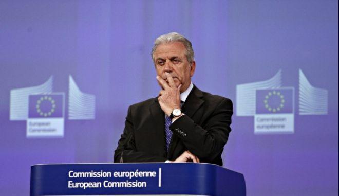 Αβραμόπουλος - Τζεντιλόνι: Να βοηθήσουμε την Αφρική για να βοηθήσουμε την Ευρώπη