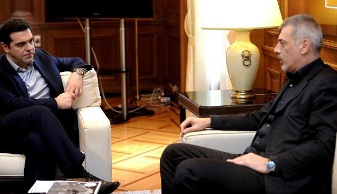 Συνάντηση του πρωθυπουργού Αλέξη Τσίπρα με τον δήμαρχο Πειραιά, Γιάννη Μώραλη, στο Μέγαρο Μαξίμου, την Πέμπτη 11 Φεβρουαρίου 2016. (EUROKINISSI/ΤΑΤΙΑΝΑ ΜΠΟΛΑΡΗ)