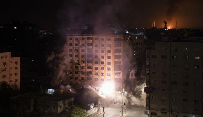 """Εφιαλτικές στιγμές στο Ισραήλ - Η κυβέρνηση κατηγορεί την αραβική μειονότητα για """"εμφύλιο πόλεμο"""""""