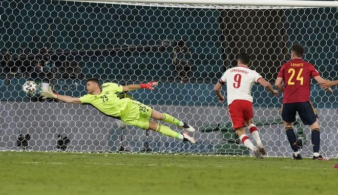 Εικόνα από το παιχνίδι Πολωνία-Ισπανία στο Euro 2020