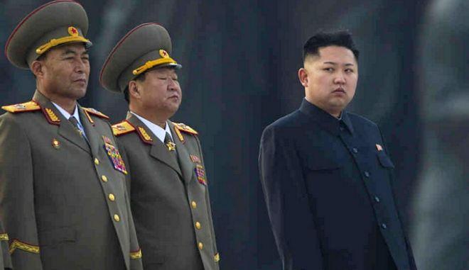 Β. Κορέα: Ζητά από τις ξένες πρεσβείες να απομακρύνουν το διπλωματικό τους προσωπικό