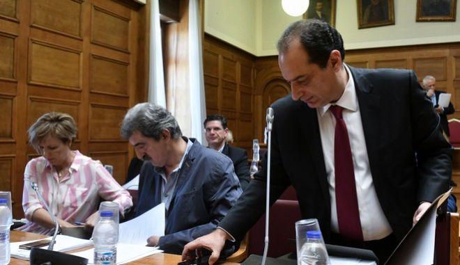 Από τη συζήτηση του νομοσχεδίου στην αρμόδια επιτροπή της Βουλής.)