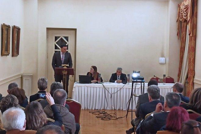 Ο Υπουργός Υγείας Βασίλης Κικίλιας κατά την παρουσίαση των Κέντρων Εμπειρογνωμοσύνης Σπανίων Νοσημάτων.