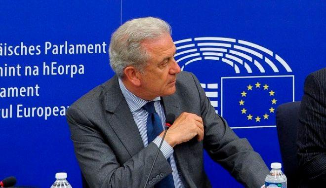 Αβραμόπουλος: Το 70% των εγκλωβισμένων στην Ελλάδα είναι επιλέξιμοι για μετεγκατάσταση