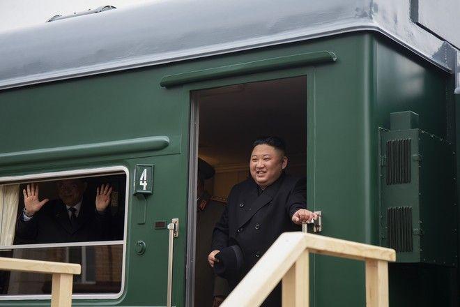 Ο Κιμ έφτασε με το τρένο του