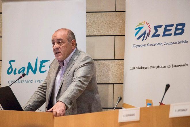 Ο Δημήτρης Δασκαλόπουλος, πρόεδρος της διαΝΕΟσις