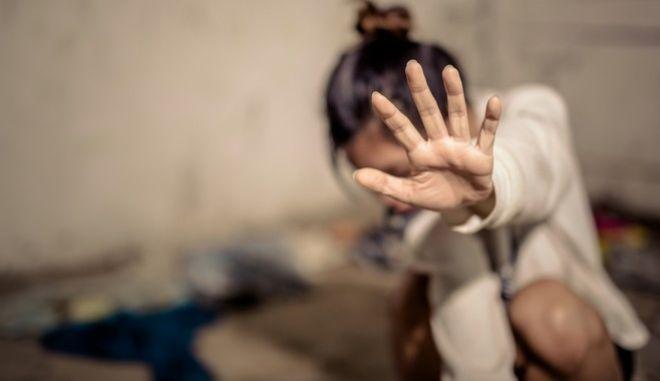 Γλυκά Νερά: Επιτέθηκε και θώπευσε 16χρονη στην μέση του δρόμου