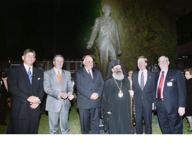 Αποκαλυπτήρια του αγάλματος του Τζώρτζη Μάρσαλ (Δεκέμβριος 2000)