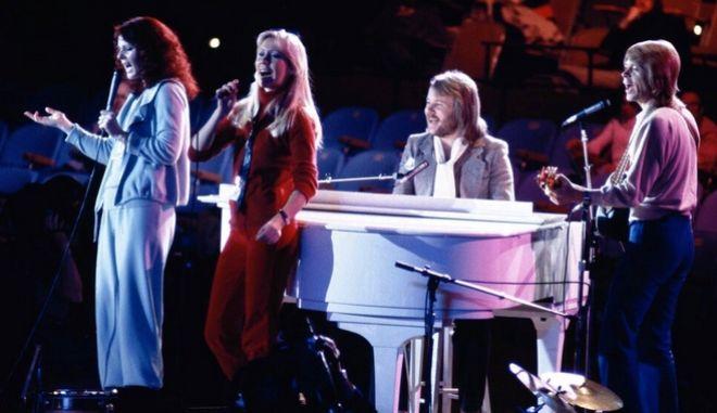 ABBA: Nέος δίσκος 40 χρόνια μετά και συναυλία με... ολογράμματα
