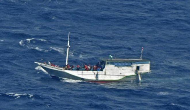 Διάσωση δεκάδων μεταναστών από το ιταλικό ναυτικό