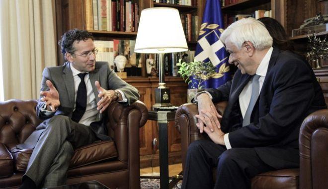 Ο Πρόεδρος της Δημοκρατίας, Προκόπης Παυλόπουλος υποδέχτηκε τον Γερούν Ντάιλεμπλουμ σήμερα Δευτέρα 25 Σεπτεμβρίου 2017.(EUROKINISSI//ΓΙΑΝΝΗΣ ΠΑΝΑΓΟΠΟΥΛΟΣ)