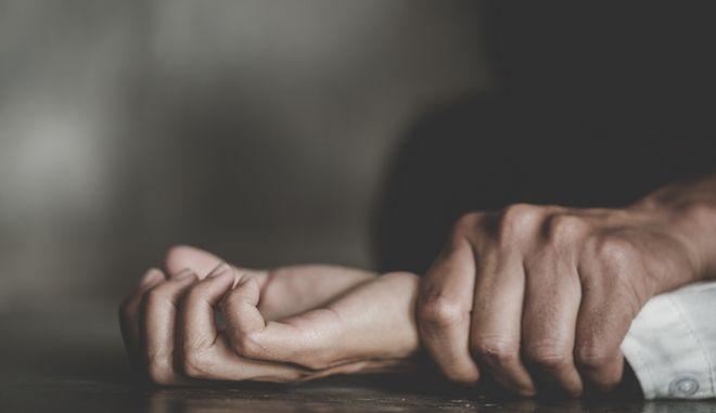Νέα Μανωλάδα: Ομολόγησε ο δράστης. Χτύπησε τη μάνα, βίασε την κόρη και τις λήστεψε
