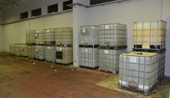 Εξαρθρώθηκε κύκλωμα που εισήγαγε από τη Βουλγαρία χημικά με σκοπό τη νόθευση καυσίμων