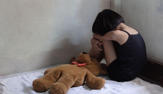 Ιταλία: Ακόμα και νεογέννητα έπεσαν θύματα κυκλώματος παιδικής πορνογραφίας